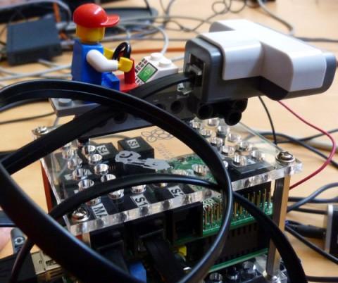 CERN_Raspberry_Pi_-12_avril_2014_ateliers_05