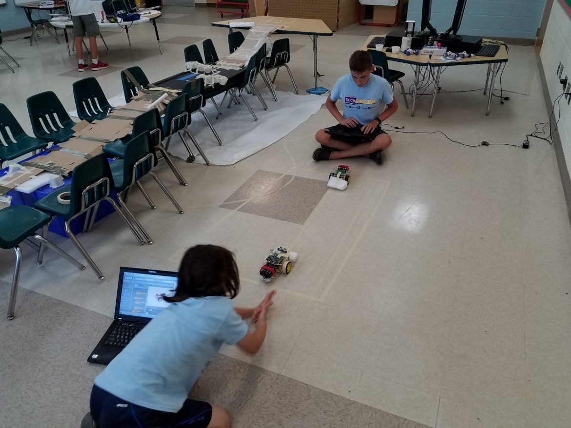 Dexter Industries GoPiGo at_ClubSciKidz_STEM_Summer Camp Coding with Robots